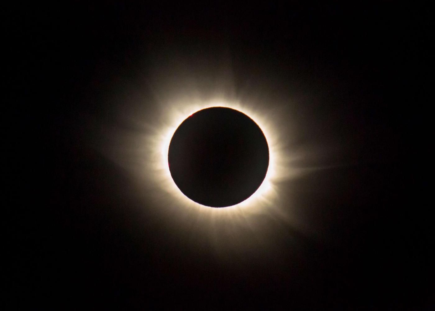 Eclissi-Solare-Totale-21-agosto-2017-1